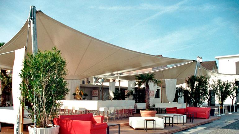 sonnensegel f r ihr restaurant sitrag sonnensegel. Black Bedroom Furniture Sets. Home Design Ideas